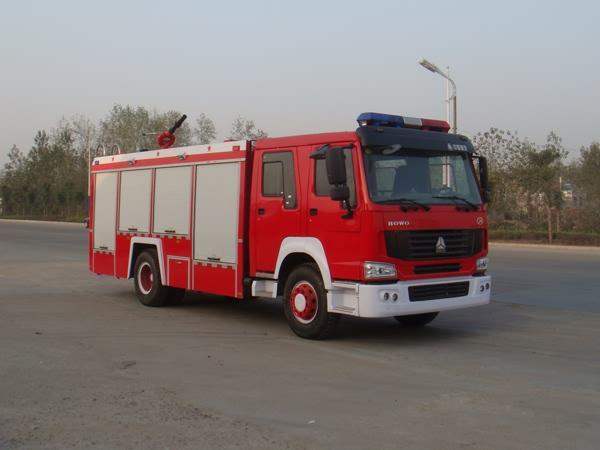 斯太尔单桥泡沫消防车
