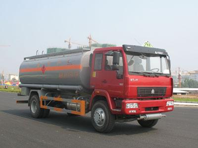 斯太尔化工液体运输车
