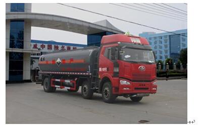 程力威牌CLW5251GFWC4型腐蚀性物品罐式运输车