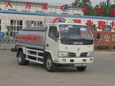 东风小霸王化工液体运输车