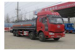 程力威牌CLW5315GFWC4型腐蚀性物品罐式运输车